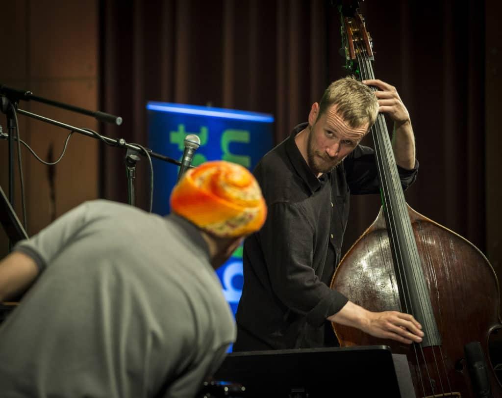 Fotoaufnahmen während des Jazzfest Bonn 2018, hier: Django Bates' Belovèd am 29.04.2018 in der Aula der Universität Bonn