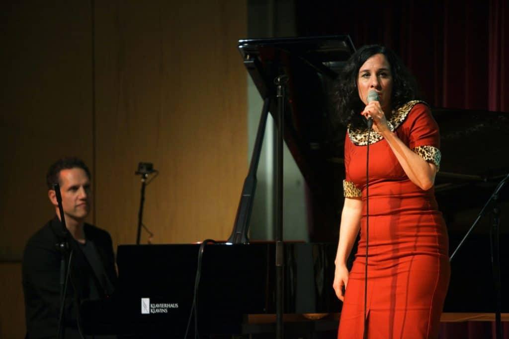 2304 Lisa Bassenge (c) Jazzfest Bonn, Walter Schnabel (13)