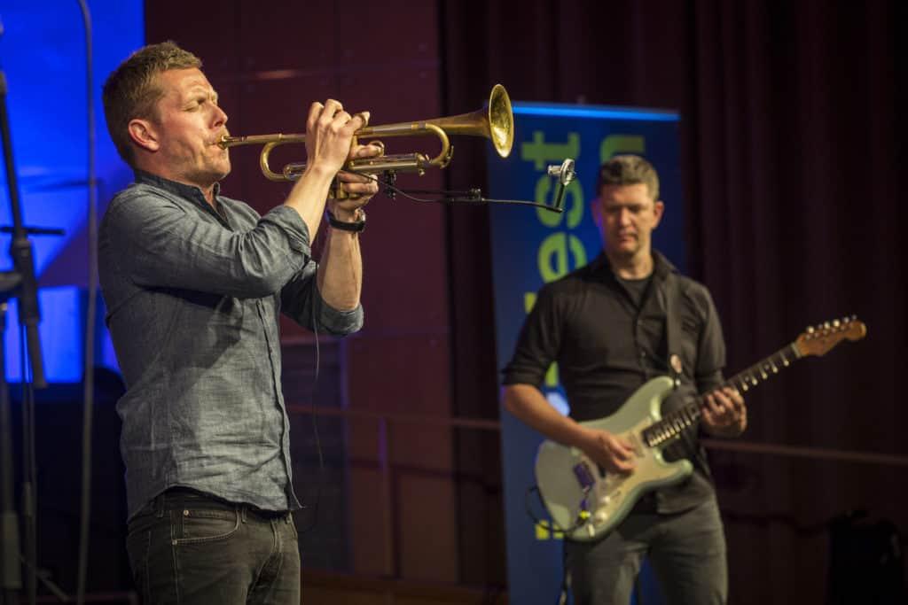 Fotoaufnahmen während des Jazzfest Bonn 2018, hier: Nils Wülker und Band am 28.04.2018 in der Aula der Universität Bonn